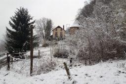 Nuit_insolite_perchoir_des_pyrenees_domaine_pigeonnier_neige