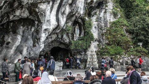 Tourisme_insolite_pyrenees_perchoir_des_pyrenees_grotte_lourdes