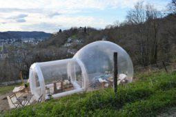 bulle_insolite_perchoir_des_pyrenees_nuit_bulle_transparente_gonflee_vue