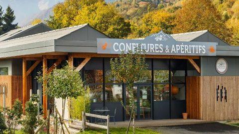 logement_insolite_pyrenees_restauration_perchoir_partenaire_petits_fruits
